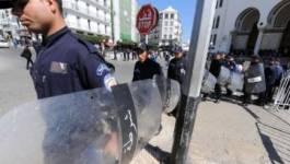 Notre rassemblement devant la présidence de la république a été réprimé par une armada de policiers, digne d'un véritable Etat d'exception