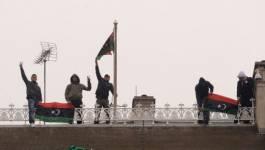 Des opposants occupent le toit de l'ambassade de Libye à Londres