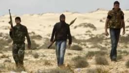 Libye: des rebelles tués par un raid aérien, la pression monte sur Kadhafi