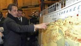 Le candidat président français Nicolas Sarkozy courtise les harkis