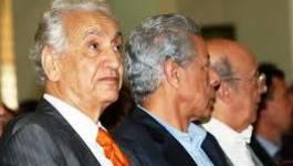 La peur du MAK pousse Aït Ahmed dans les bras de Boutef et Médiène