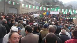 Yaha Abdelhafidh a été inhumé au milieu d'une foule nombreuse (photos)