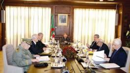 """L'avant-projet de constitution """"validé"""" par Abdelaziz Bouteflika"""