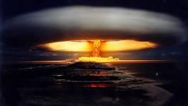 En Polynésie, François Hollande reconnaît l'impact des essais nucléaires français