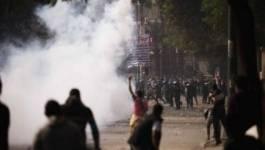 Egypte : place Tahrir noyée dans le gaz lacrymogène de la police
