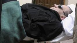 """Egypte : transféré à l'hôpital, Hosni Moubarak est """"cliniquement mort"""""""