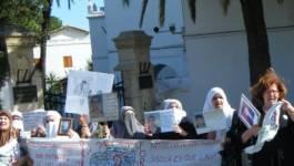 Les familles de disparus dénoncent la répression policière