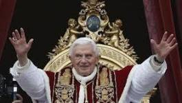 Le pape Benoît XVI démissionne de son pontificat