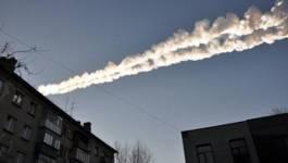 Une météorite explose au-dessus de l'Oural, un millier de blessés