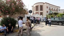 Libye : des milices encerclent plusieurs ministères