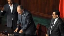 Tunisie: la Constituante suspendue, l'opposition vent debout