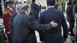 Le président Bouteflika félicite François Hollande
