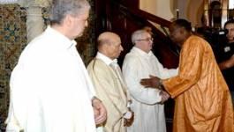 Pas d'image de Bouteflika à la prière à la Grande Mosquée