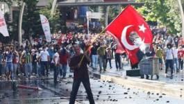 """Turquie : les manifestants vent debout en dépit des """"excuses"""" du gouvernement"""