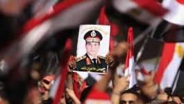 """Egypte: le général Al Sissi candidat à la présidence si le peuple le """"réclame"""""""