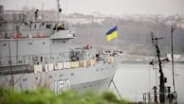 Des hommes armés s'emparent d'un navire de guerre ukrainien en Crimée