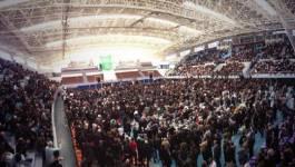 Premier rassemblement réussi de l'opposition à la salle Harcha d'Alger