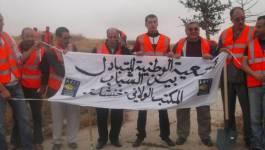 Khenchela : les citoyens se mobilisent pour nettoyer les cimetières de la ville