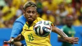 Le Brésil se qualifie par miracle pour les quarts de finale