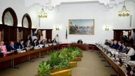Le Conseil des ministres adopte une loi de finances 2015 a minima