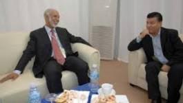 Le FLN, Belkhadem et Bouteflika, deux femmes causent politique à Dallas