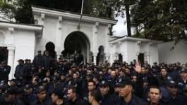 Arrestation de 3 militants lors du rassemblement de policiers à El Mouradia