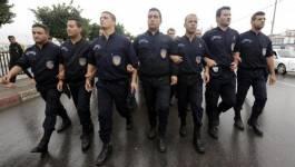 La police algérienne dans la rue pour exprimer son ras-le-bol !