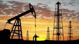 Le pétrole finit sur une chute de presque 4 dollars à New York