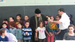 Ali Yahia Abdenour a visité l'école de tamazight INAS de Montréal