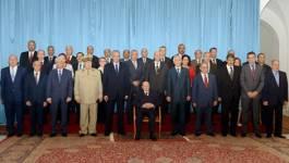 Les Algériens attendent des solutions à la crise