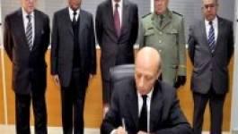 Nelson Mandela : Ould Khelifa signe le carnet de doléances à la place de Bouteflika