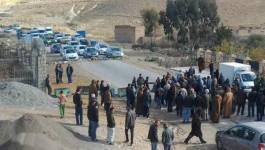 Batna, des citoyens mécontents ferment la route
