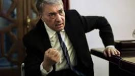 Ali Benflis a déposé le dossier de son parti au ministère de l'Intérieur