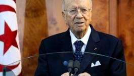 Tunisie: Caïd Essebsi revendique la victoire, Marzouki dénonce