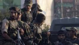 Les talibans retiennent 500 otages dans une école de Peshawar au Pakistan