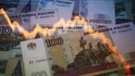 Russie: mauvaise nouvelle pour la croissance, le rouble rechute