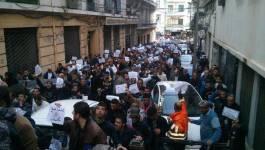 Manifestation à Alger pour fustiger les caricatures de Charlie Hebdo