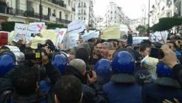 La police réprime une manifestation à Alger contre le gaz de schiste