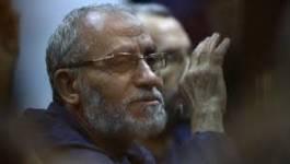 Egypte: Mohamed Badie condamné à la peine de mort