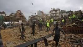 Plus d'un millier de morts après un violent séisme au Népal