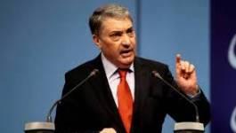 """Ali Benflis : """"L'Algérie vit une vacance du pouvoir"""""""