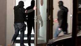 """Attentats kamikazes à Paris: des """"planques"""" des djihadistes localisées"""