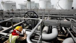 Le pétrole finit en baisse, l'excès d'offre repassant au premier plan