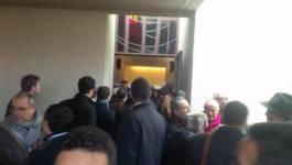 Des centaines d'Algériens à Lausanne pour un adieu à Hocine Aït Ahmed