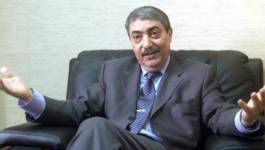 Ali Benflis pointe la vacance du pouvoir et la révision constitutionnelle