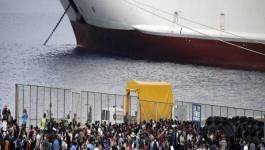"""Près de 70.000 migrants pourraient être """"piégés"""" en Grèce"""