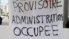 La police use de la brutalité et de la matraque contre les étudiants à Bouira