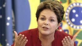 """Ecartée de la présidence brésilienne, Dilma Rousseff appelle à """"s'opposer au coup d'Etat"""""""