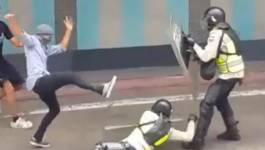 Venezuela : heurts et pillages de magasins, le référendum anti-Maduro fait son chemin