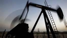 Le pétrole finit en baisse, victime de prises de bénéfices